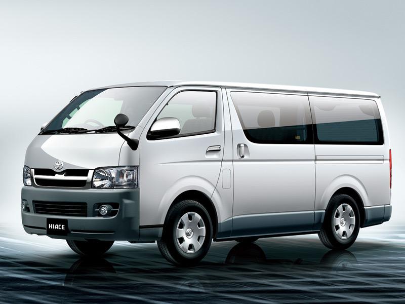 Toyota Hiace với những đổi mới tạo nên một phong cách mạnh mẽ hơn