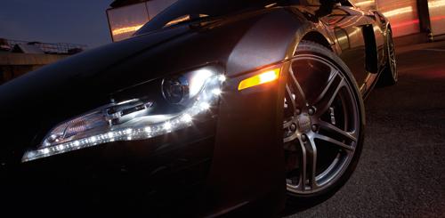 Kiểm tra hệ thống đèn chiếu sáng để đảm bảo an toàn khi di chuyển