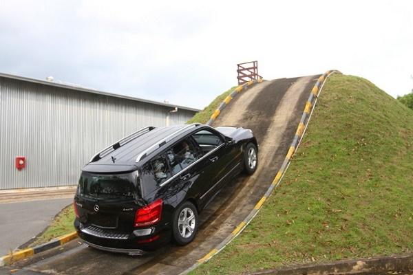 Kinh nghiệm lái xe đường đồi núi